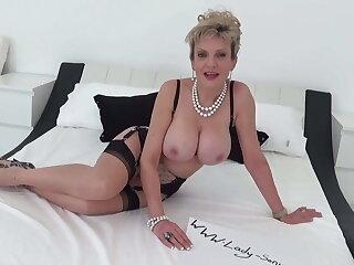 Lady Sonia lucky Twitter follower blowjob handjob massage