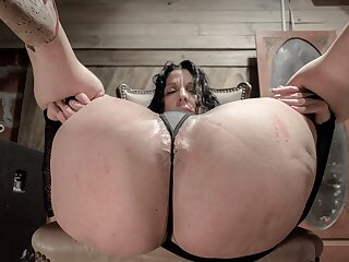EXTREME ANAL ROSE GAPE AND DOUBLE FISTING