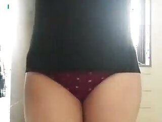 Attractive booty with the addition be proper of sexy belly be proper of anon webcam Desi slattern are flashed