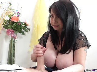 Mature with illustrious jugs, irrational handjob home session on cam