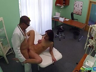 Dilute And Dolour Enjoy Patient's Wet Pussy