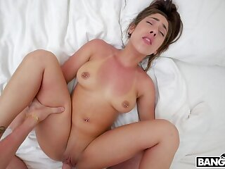 Crestfallen brunette latina lassie in great amateur porn